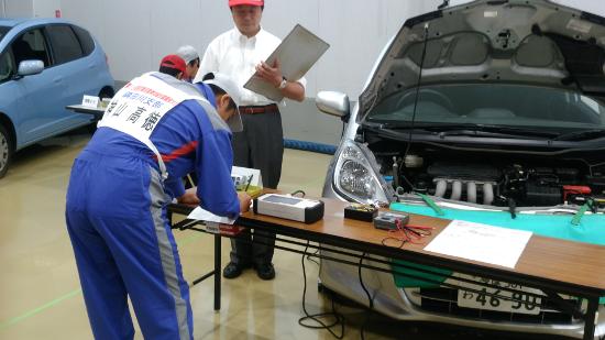 第15回東京都自動車整備技能競技大会での様子1